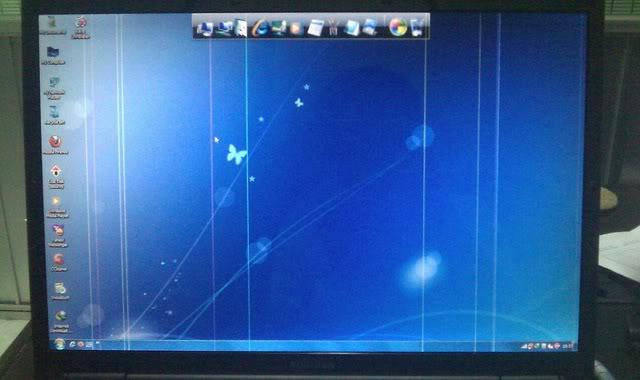 Màn hình laptop bị sọc dọc